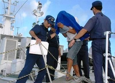 911 8日,日本海上保安廳逮捕被撞#25802;的中國5179號作業漁船船長,氣#28976;極度囂張