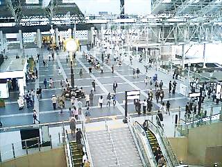 _046-2010大阪駅5