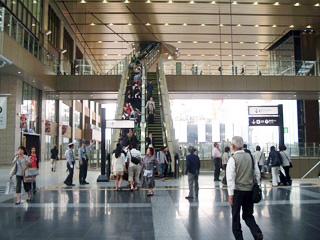 _046-2010大阪駅new2