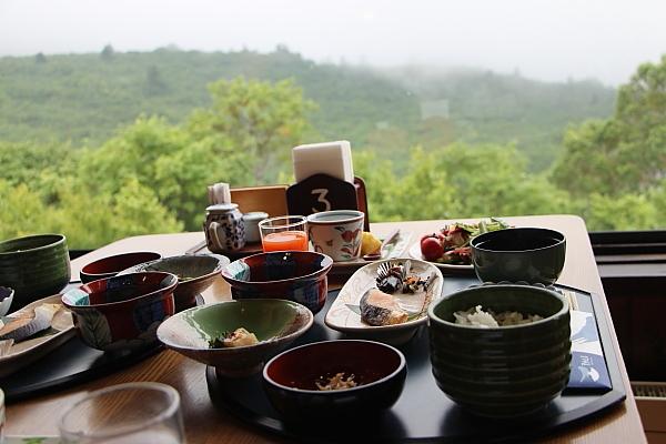 14栗駒山荘25