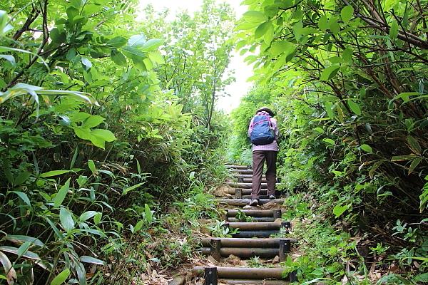 14栗駒山登山17
