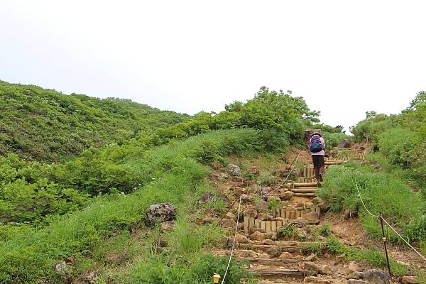 14栗駒山登山19