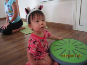 Baby+Yoga+Jun+14+2012+004_convert_20120618034235.jpg