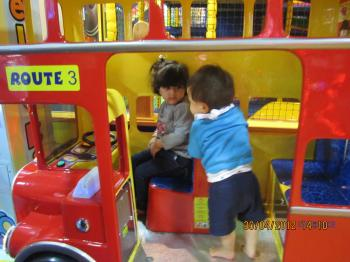 Trey+@+Game+Arcade+002_convert_20120501023356.jpg