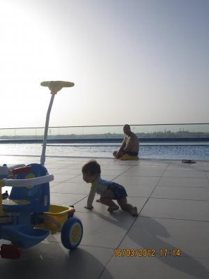 Trey+@+Pool+004_convert_20120318024730.jpg
