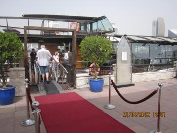 Trey+@+bateau+dubai+029_convert_20120422132040.jpg