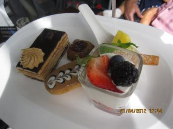 Trey+@+bateau+dubai+043_convert_20120422132419.jpg