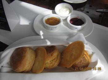 Trey+@+bateau+dubai+047_convert_20120422132636.jpg