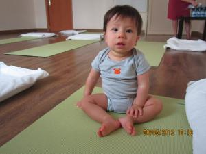 Trey+Baby+Yoga+003_convert_20120509031505.jpg