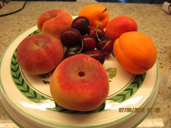 Trey+Breakfast+Fruits+001_convert_20120608025731.jpg