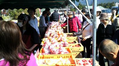 リンゴよく売れました(24.10.21)