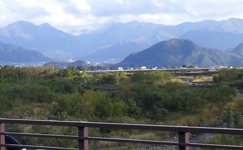 平成橋から上流を望む(24.11.3)