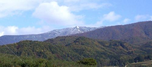 冠雪の五輪山(24.11.3)