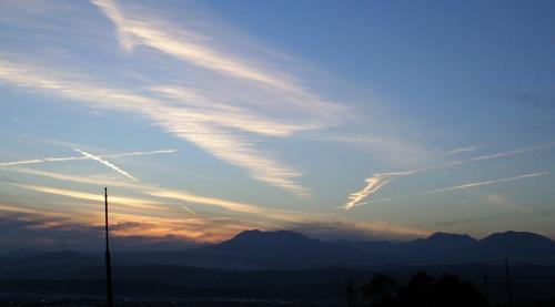 飛行機雲(24.11.4)