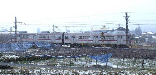 雪の中の普通列車(24.12.1)