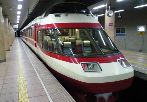 長電長野駅の特急ゆけむり号(24.12.10)