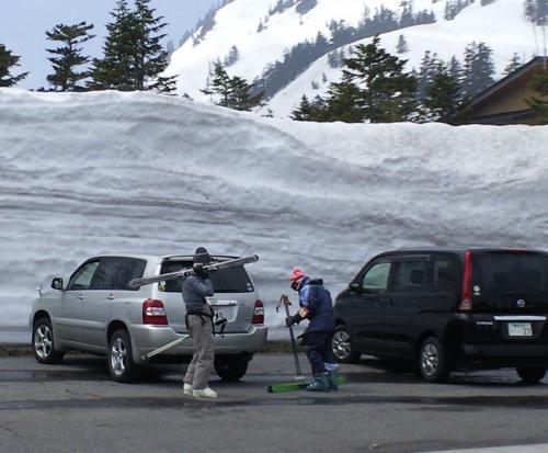 春スキーを楽しむ(渋峠 24.4.25)