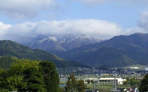 志賀高原の山々冠雪(24.5.12)