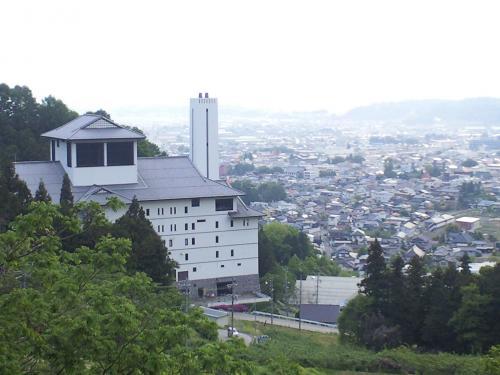東山城を見下ろす(24.5.21)