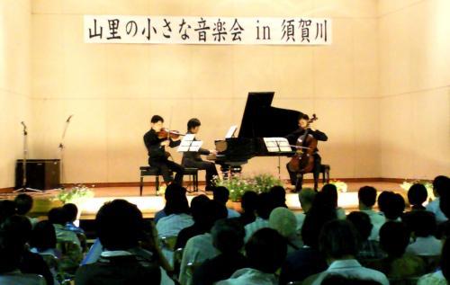 プロのトリオによる演奏(24.7.7)