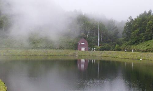 霧に包まれる剣沢ダム(24.7.23)