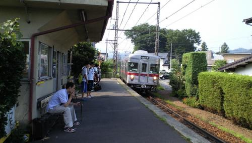 夜間瀬駅から各停で出発(24.7.30)