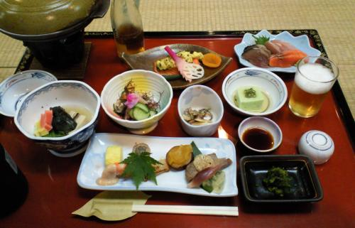御膳料理で懇親会(24.9.1)