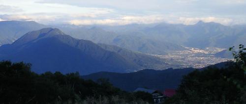 斑尾高原から見る山ノ内町(24.9.1)