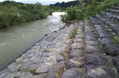 石段に増水の跡(24.10.1)