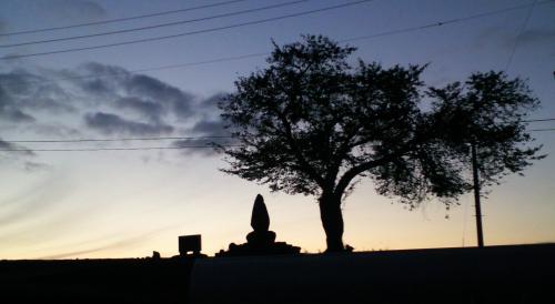 津南町のある集落の夕景(24.10.8)