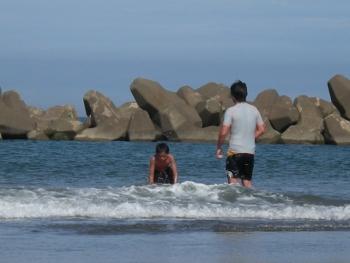 海で遊んだ3