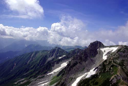 雄山 龍王岳と五色ヶ原方面を眺める