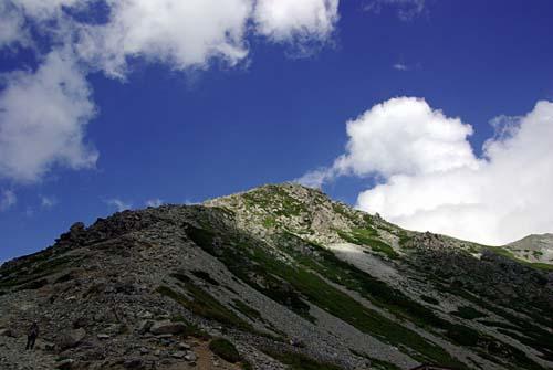 雄山 一の越から雄山頂上を眺める