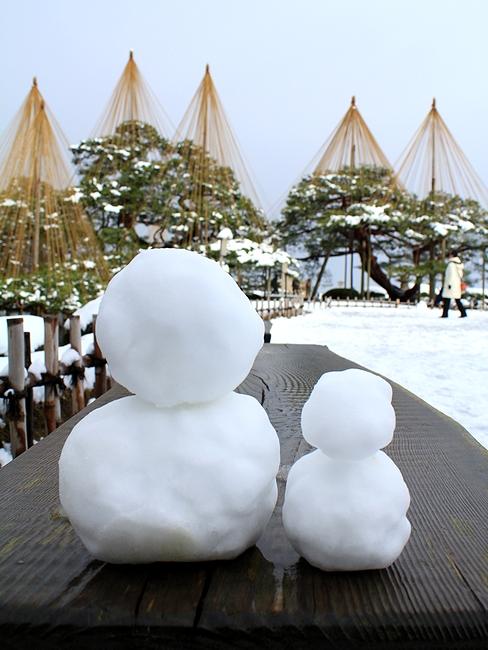 兼六園 雪吊りと雪だるま