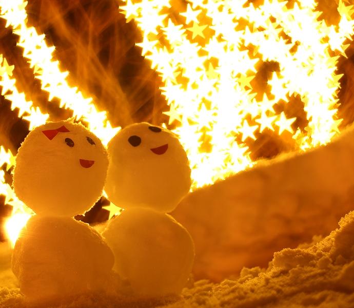 星のイルミと雪だるま