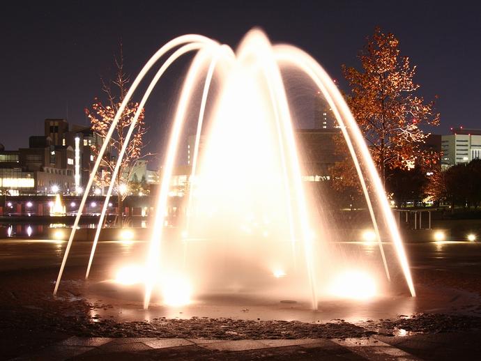 環水公園噴水のライトアップ