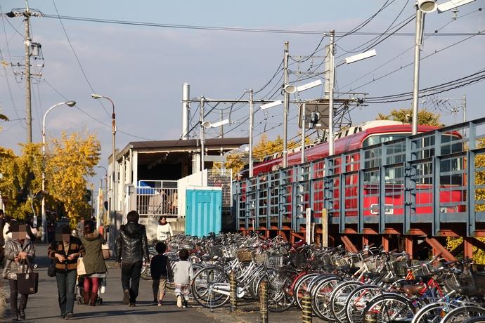 名鉄山崎駅の様子