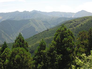 高野辻の展望台より右:釈迦ケ岳