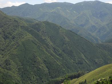 高野辻の展望台より八経ケ岳方面