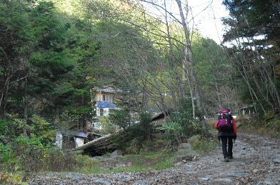 6 夏沢鉱泉が目前