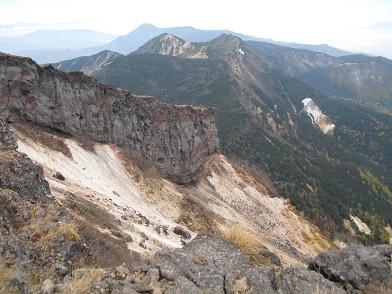 12 硫黄岳より北八ケ岳方面