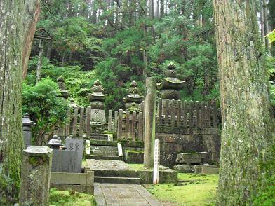 12 奥の院参道・加賀前田家の墓所