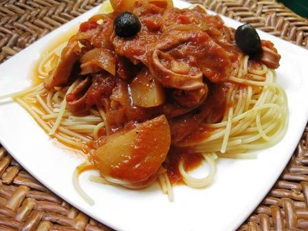 麦イカのトマト煮パスタ