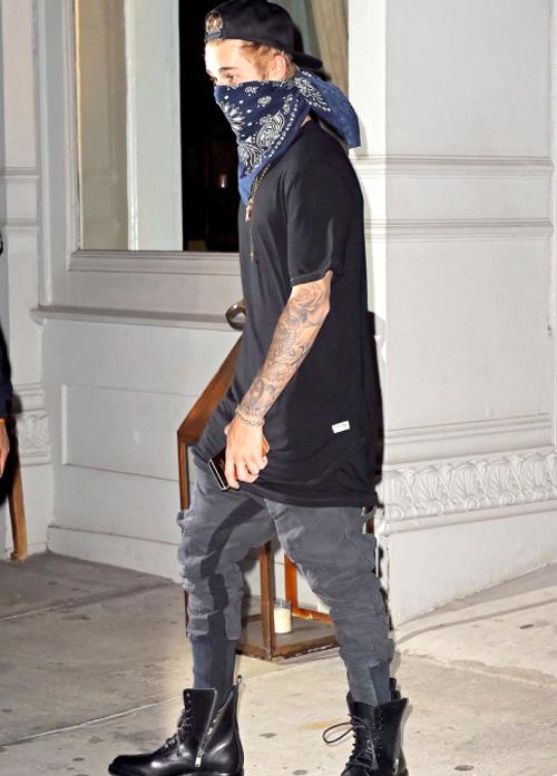 ジャスティン・ビーバー(Justin Bieber):ドープ(Dope)サンローラン(Saint Laurent)