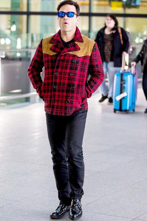 ロビー・ウィリアムズ(Robbie Williams):サンローラン(Saint Laurent)