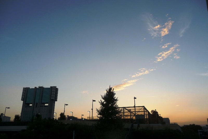 9日の夕方の秋空