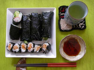 朝から海苔巻き寿司