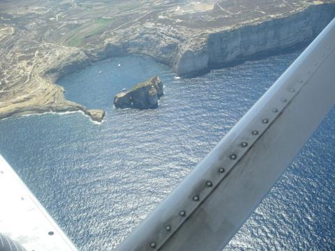 ドゥエイラ湾空撮