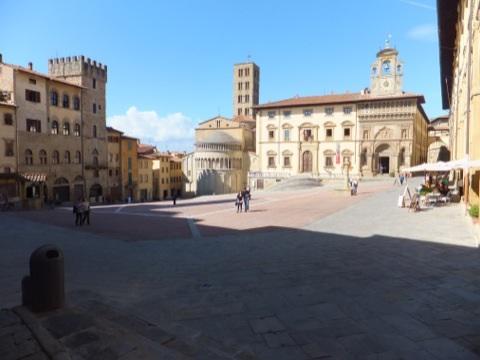 Piazzagrande.jpg