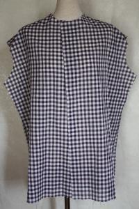 おとの紫チェックシャツ1
